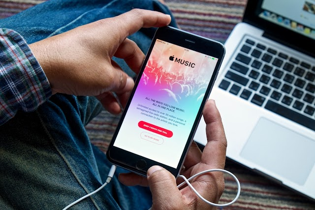 Apple Music surpasses Spotify in paid US subscribers
