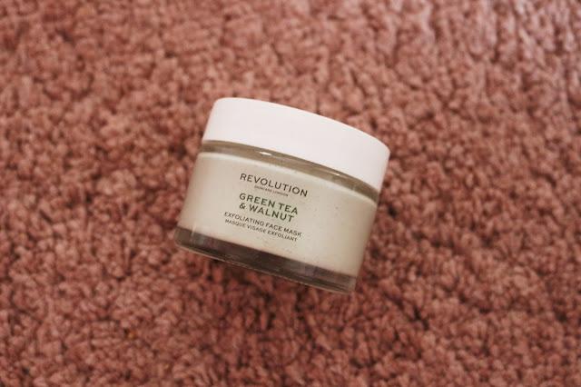 Revolution Skincare balenie masky Green Tea and Walnut
