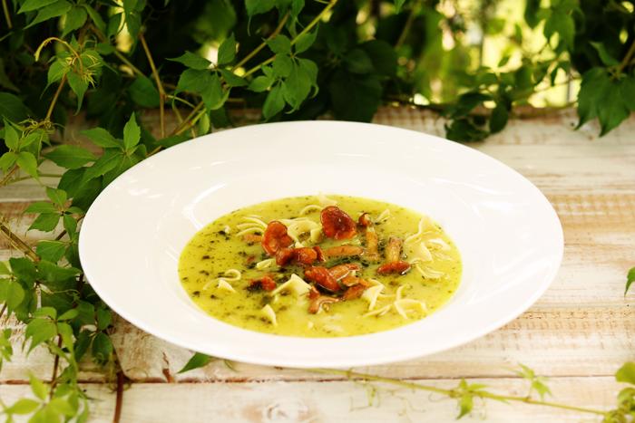 Zupa z kurkami i makaronem