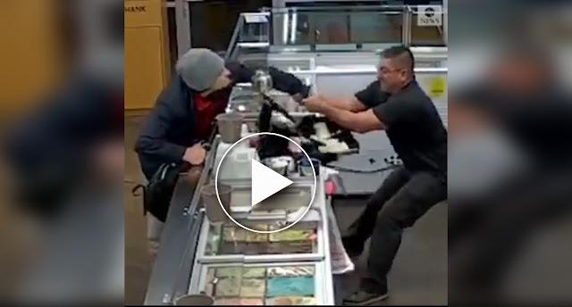 بالفيديو: لص يحاول سرقة محل أيس كريم .. ولكن حدث ما لم يكن متوقعاً