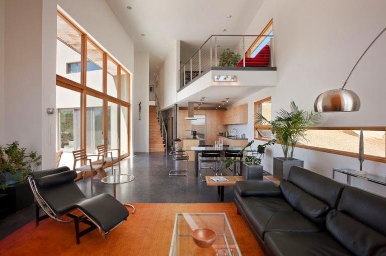 Hogares frescos casa moderna construida en una colina en for Casas modernas de un piso por dentro