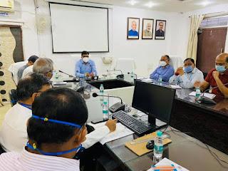 जिले मे लघु एवं ईकाइयो के वरिष्ट अधिकारियो के साथ बैठक आयोजित