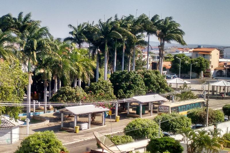 Clima chuvoso favorece o isolamento social em Brumado; município não vem registrando novos casos confirmados da Covid-19