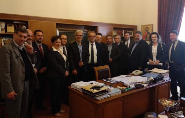 Συνάντηση του υποψηφίου δημάρχου Πειραιά Νίκου Βλαχάκου  με τη  διοίκηση του Δ.Σ.Π