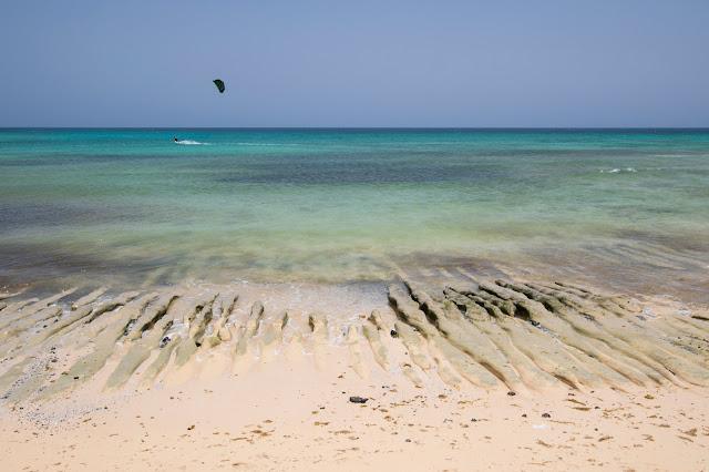 Spiaggia al Parque natural duna di Corralejo-Fuerteventura