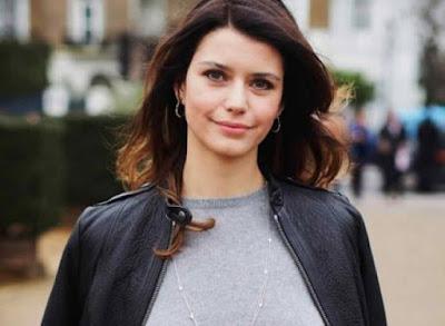 تقرير عن الممثلة التركية بيرين سات Beren Saat