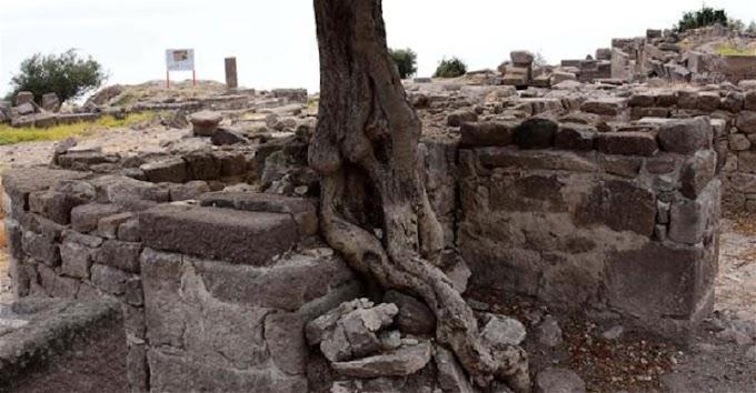 Βυζαντινό πανδοχείο με δικιά του εκκλησία στην Αρχαιοελληνική πόλη της Άσσου .