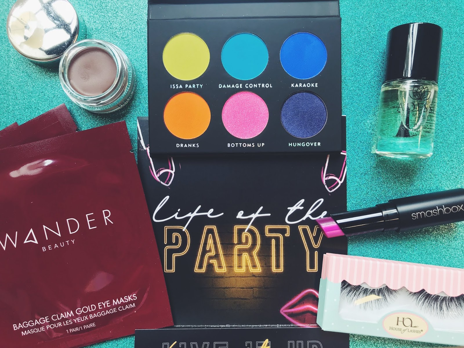 Boxycharm, Boxycharm Review, Boxycharm August 2018, subscription service review, Nashville beauty blog, Nashville beauty blogger, beauty buzz, beauty, subscription box, Wander Beauty, Wander Beauty Baggage Claim Gold Eye Masks, House of Lashes, House of Lashes Temptress Lashes, Smashbox, Smashbox Be Legendary Triple Tone Lipstick in Berry Ombre, Adesse New York, Adesse New York Sweet Almond Cuticle Oil, Laura Lee Los Angeles, Laura Lee Los Angeles Party Animal Palette, Bang Beauty, Bang Beauty Chocolate Eyeliner,