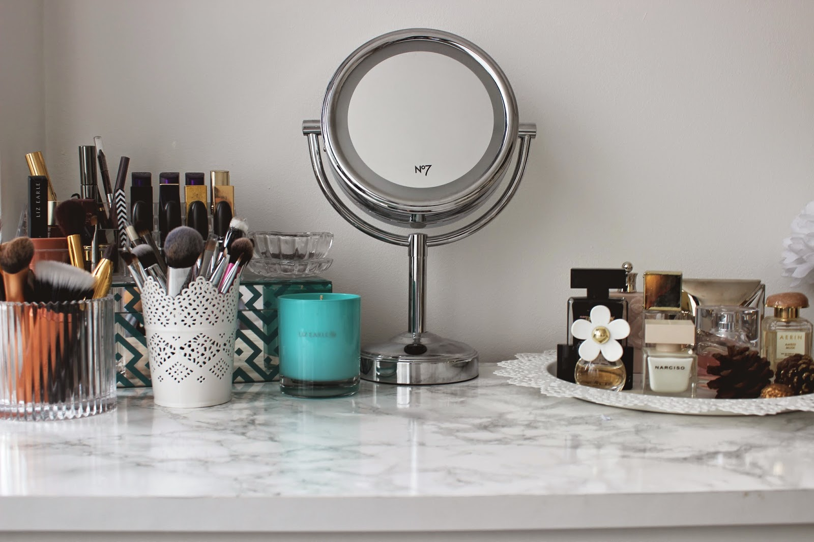 DIY MARBLE DRESSING TABLE UNDER 5