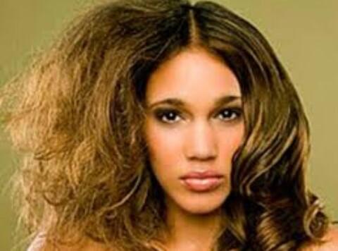 Tips Merawat Rambut Keriting yang Benar agar Lembut dan Sehat