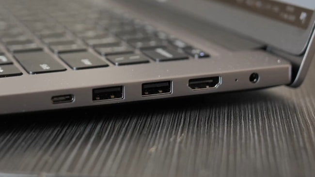 Ports on the right side of the Mi Notebook 14 Horizon Edition.