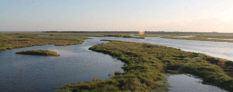 Saint Johns River desde el puente entre los condados de Volusia y Seminole