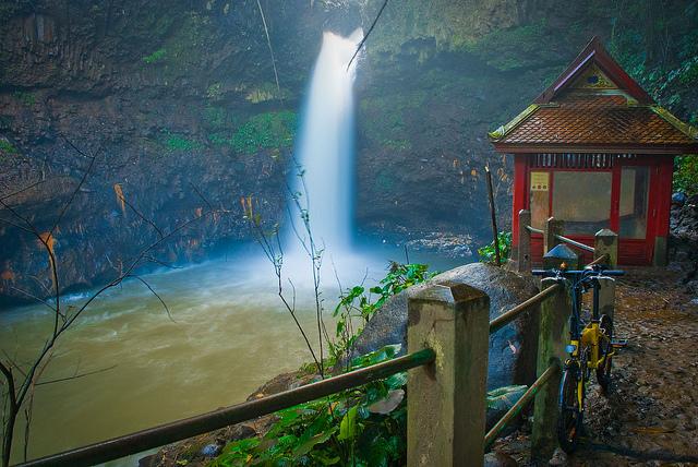 Tempat Wisata Curug Dago Bandung