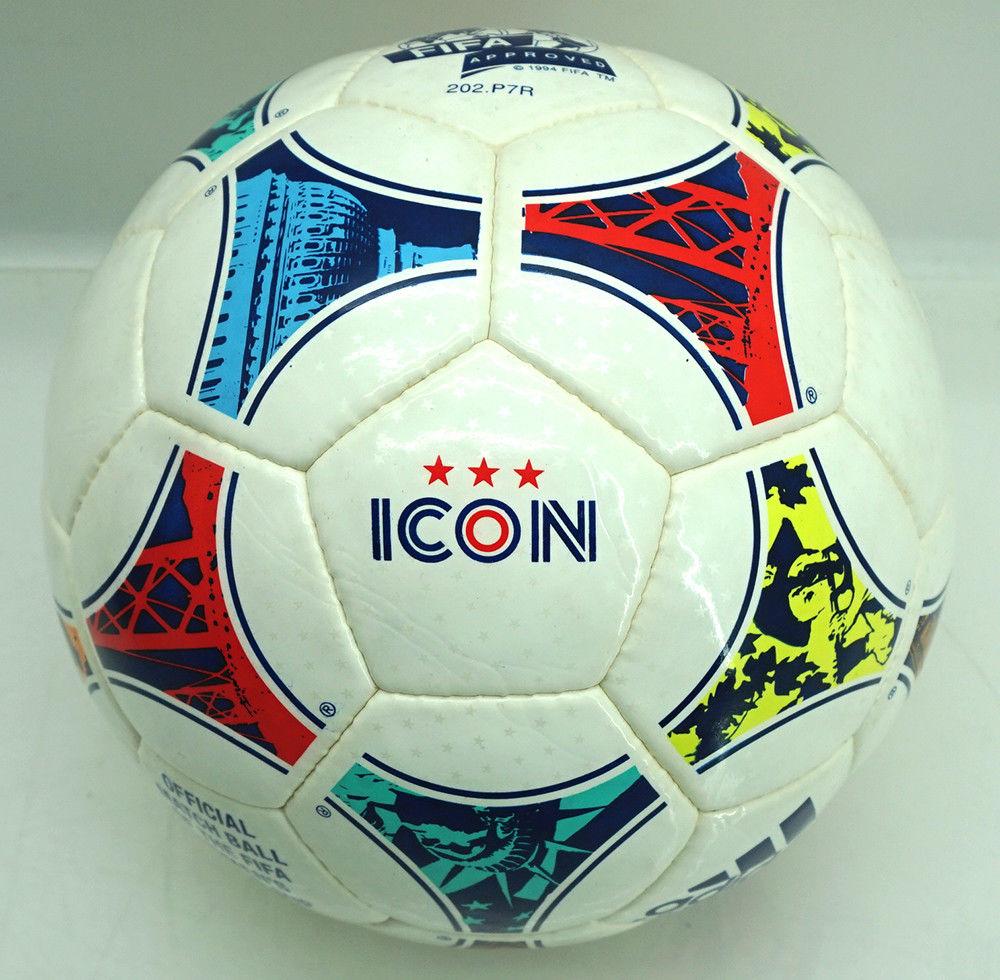 Recordemos que el Tricolore (balón oficial del Mundial de Francia 98) fue  el primer balón que Adidas diseñó en color para un Mundial de fútbol  masculino. ac99514721b86