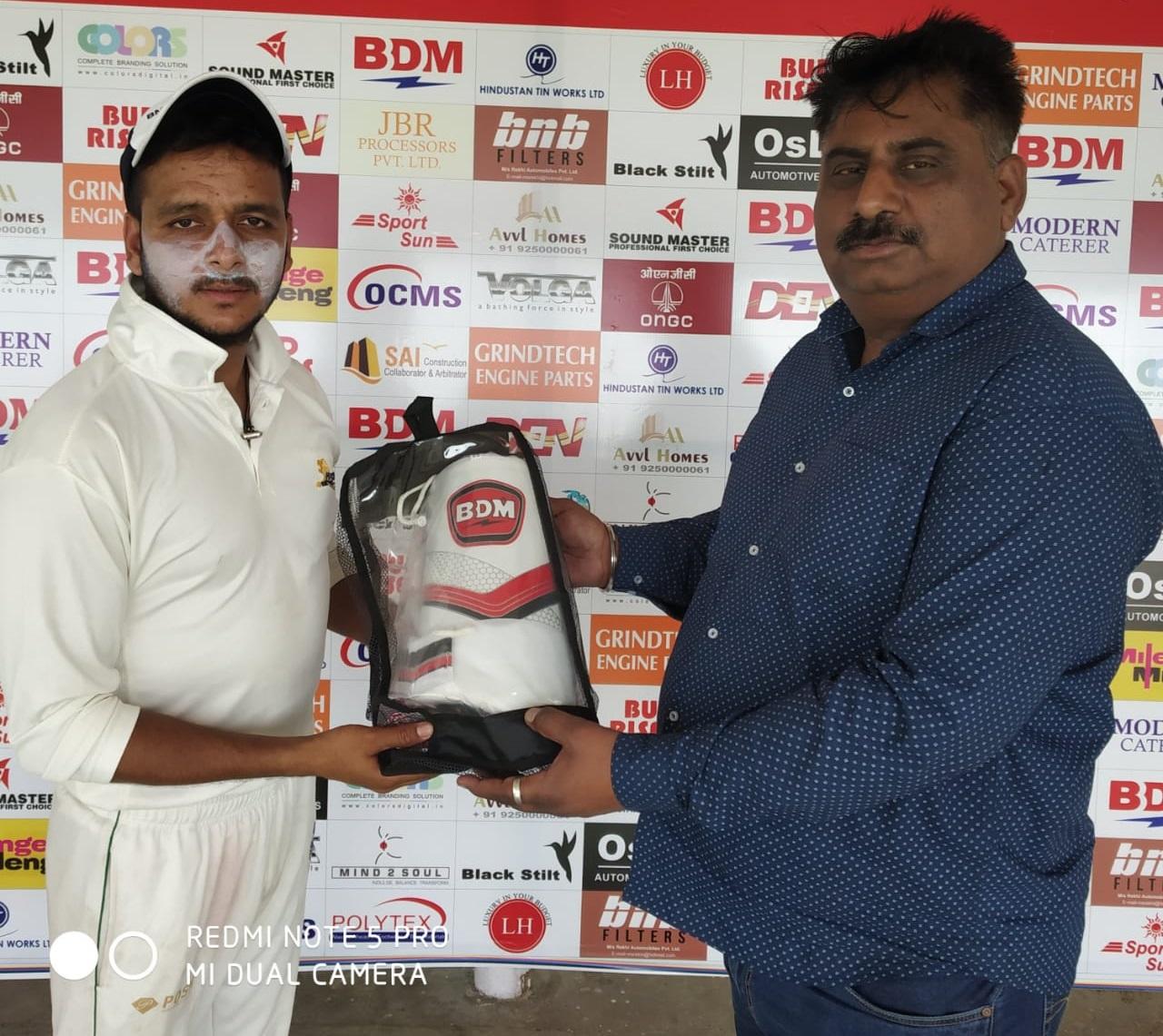 मोहसिन ख़ान का पंजा, रवि ब्रदर्स सूद क्रिकेट के प्री क्वॉर्टर फाइनल में