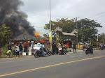 (Video) Api Hanguskan Bangunan di Samping Rumah Dinas Bupati Lamsel