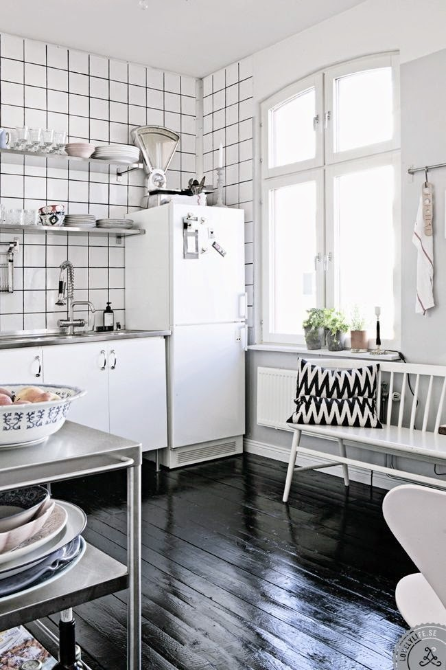 let's stay square white ceramic tile and dark grout ideas