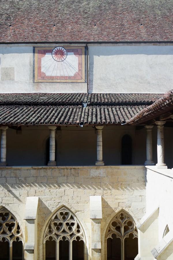 ain abbaye ambronay cloître