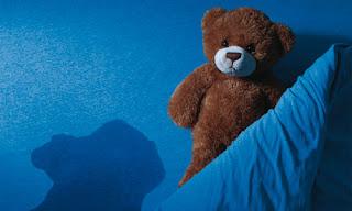 Niños que mojan la cama pueden sufrir enuresis