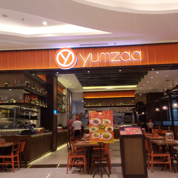 Makan Zaman Now di Yumzaa Resto Asian Fussion Favorit Semua Kalangan