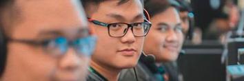 Biodata dan Profil Alex 'Entruv' Prawira