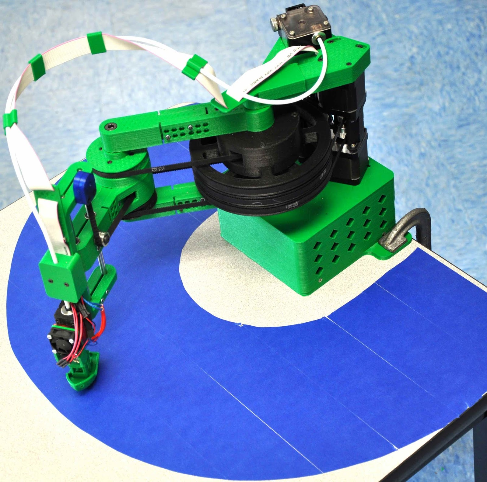 Our Work View Our Digital Print Web Projects: AMAZING REPRAP HELIOS WITH SEQUENTIAL 3D PRINTING
