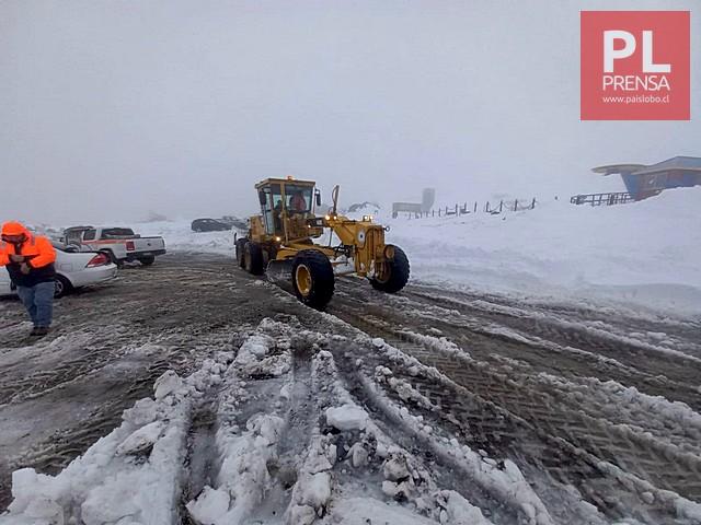 Retiran nieve del camino al volcán Osorno