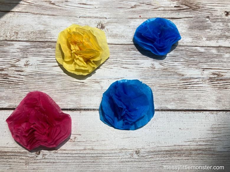 Frida Kahlo paper flowers