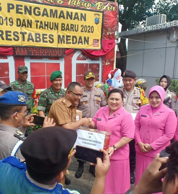 Ketua Bhayangkari Polda Sumut, Kunjungi Pos Pam X Manhattan Jalan Gatot Subroto Medan