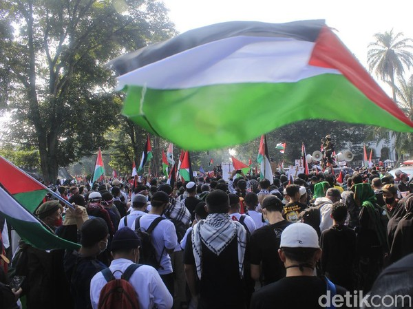 Aksi Bela Palestina, Massa di Bandung Turun ke Jalan