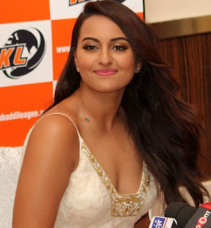 sonakshi-will-work-web-series
