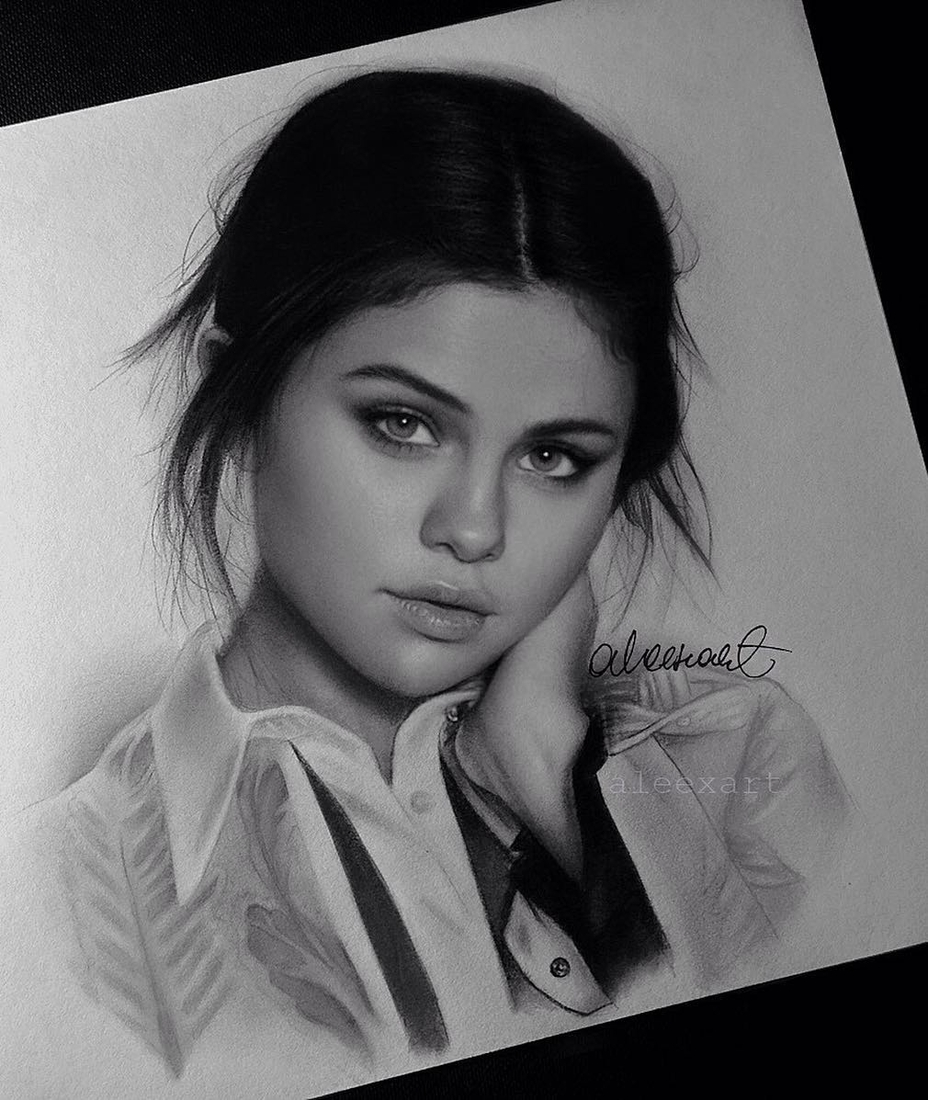 12-Selena-Gomez-Alex-Manole-Black-and-White-Hyper-Realistic-Portraits-of-Celebrities-www-designstack-co
