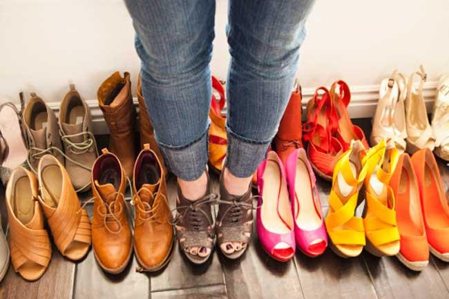choosing a wrong shoe can give these diseases to you, गलत जूतों का इस्तेमाल बन सकता है इन 5 रोगों का कारण