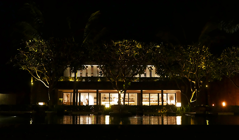 Euriental | fashion & luxury travel | Alila Soori, library at night, Bali