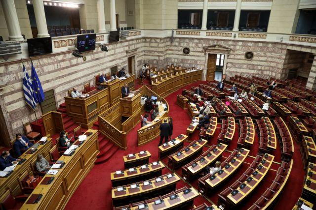 Βουλή: Πέρασε με 158 «ναι» το νομοσχέδιο για το νέο σχολείο