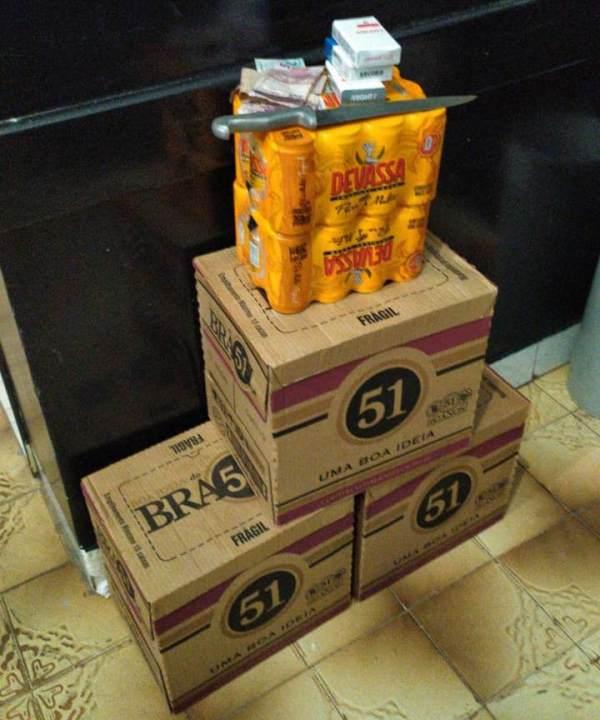 Homem é preso pela PM após roubar mercadorias de um bar em São Bento; objetos foram recuperados