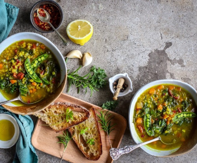 Lentil Soup with Lemon and Turmeric #vegan #healthy