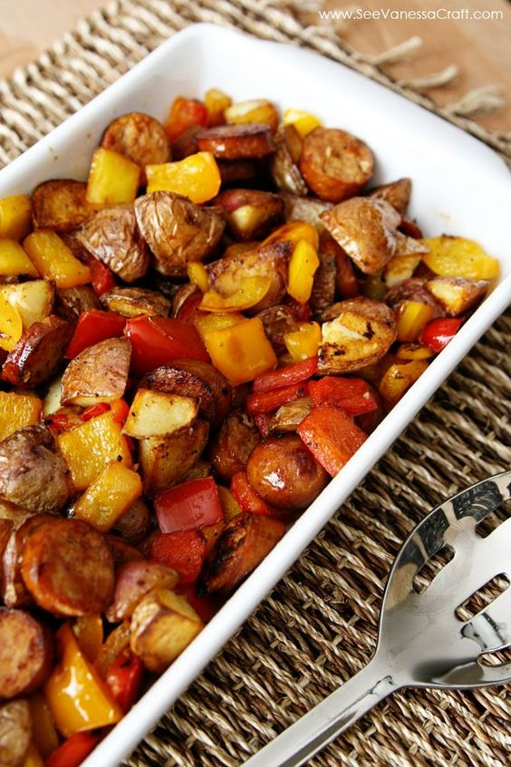 (recipe) sausage, potato & peppers healthy skillet #recipes #dinnerrecipes #dinnermeals #dinnermealstocook #food #foodporn #healthy #yummy #instafood #foodie #delicious #dinner #breakfast #dessert #lunch #vegan #cake #eatclean #homemade #diet #healthyfood #cleaneating #foodstagram