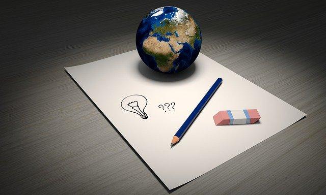 Sebuah kertas yang digunakan oleh seseorang untuk idenya