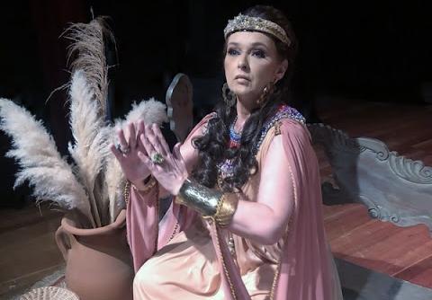 'Rainha Ester': uma peça que vale a pena conferir