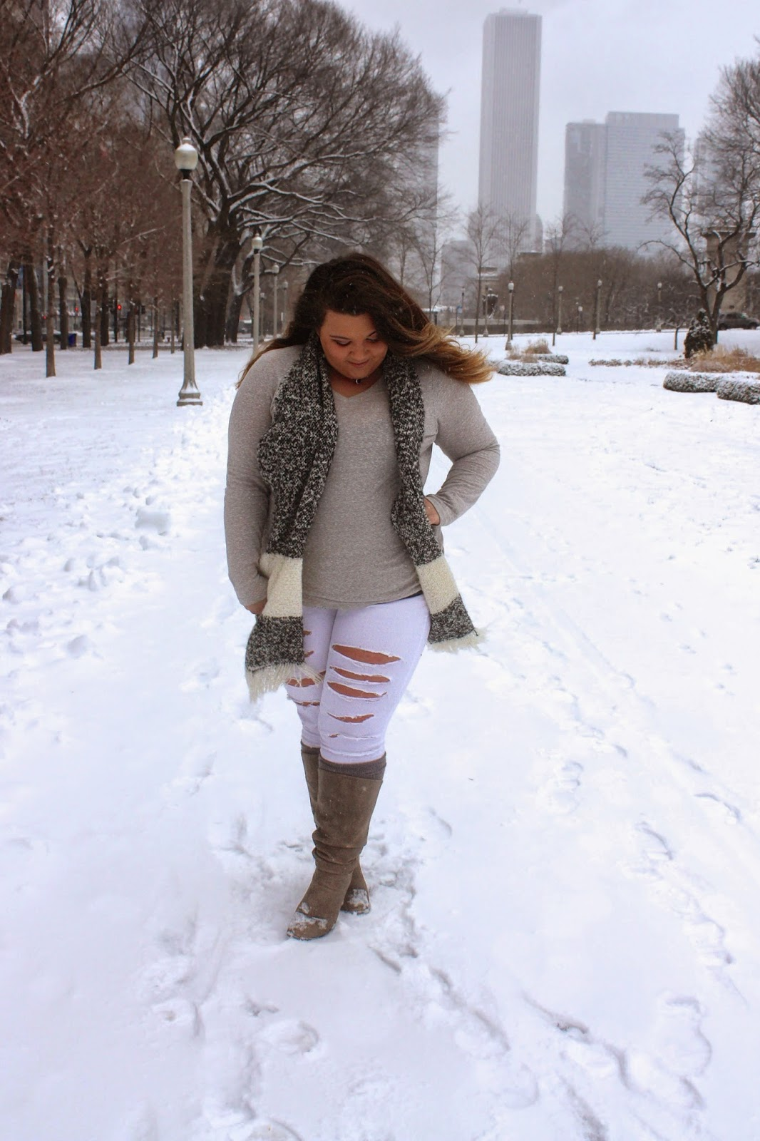 Natalie Craig, chicago, natalie in the city, plus size fashion blogger, curvy girls, fatshion, winter fashion 2015, what to wear, ootd, winter whites, snow day, what to wear snow, bbw, scarves, DIY destroyed denim, white denim, how to cut denim, ombre, thicks girls, knee high socks, how to wear a scarf, Forever 21, shopcade, chicago bloggers network, grant park