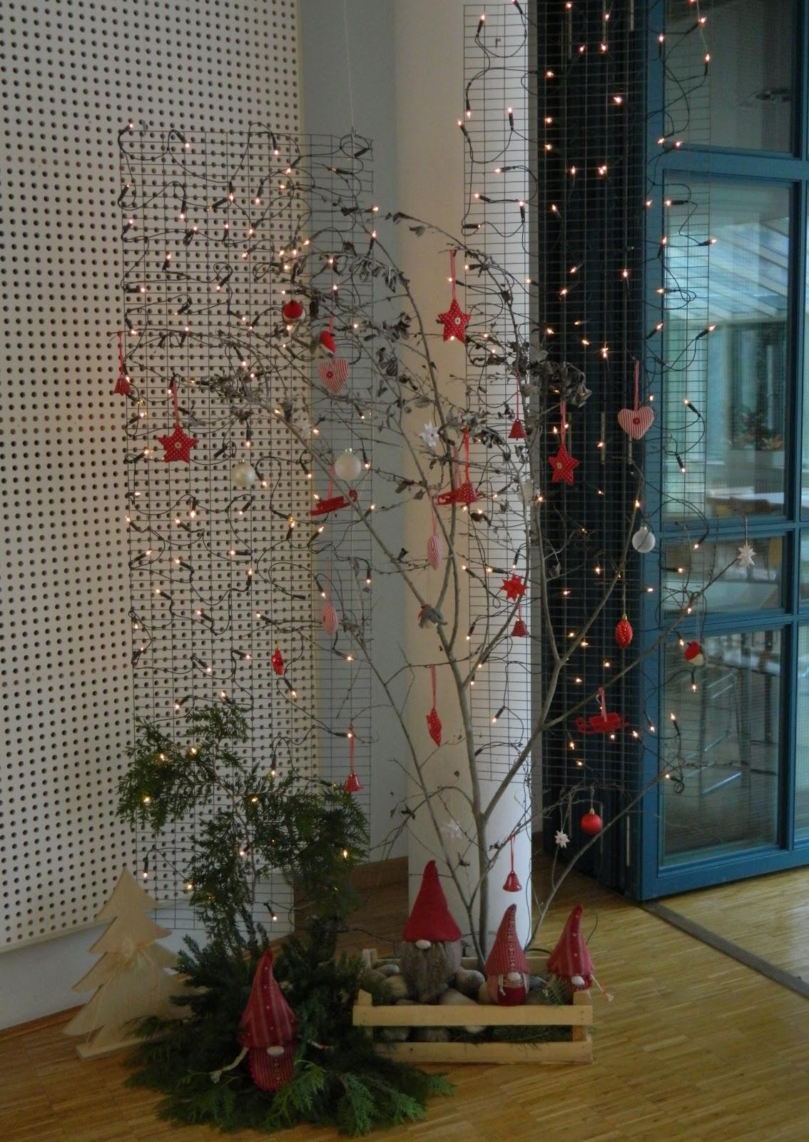 ullashandmade weihnachtsdeko drahtgeflecht und kahler. Black Bedroom Furniture Sets. Home Design Ideas