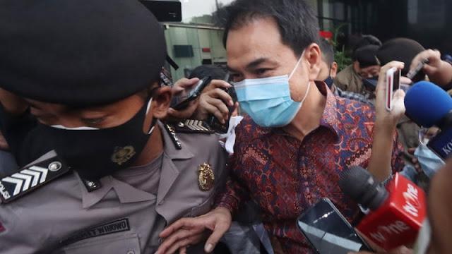 KPK Tangkap Aziz Syamsuddin di Rumahnya, Langsung Digelandang ke Gedung KPK