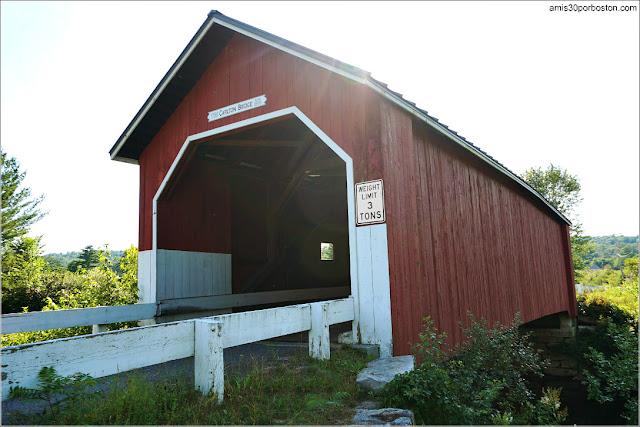 Carlton Covered Bridge en Swanzey, New Hampshire
