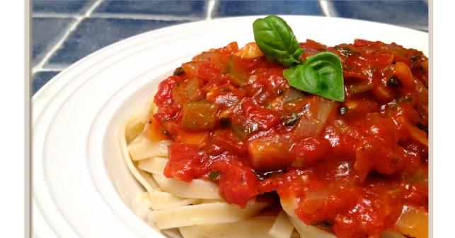 1 recette italienne sauce tomate aux l gumes fettuccine la sauce tomate et aux l gumes. Black Bedroom Furniture Sets. Home Design Ideas
