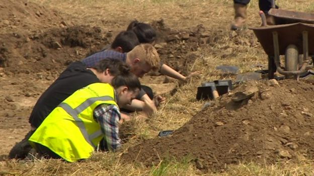 Dig begins in Lufton to locate Roman villa