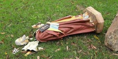 imagem de São Pedro destruído após ato de vandalismo