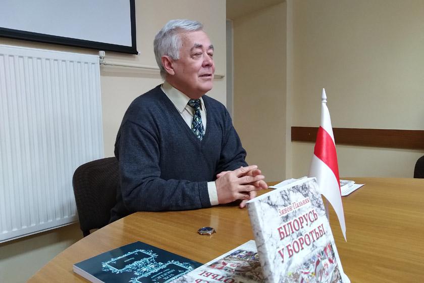 Валерій Буйвал на зустрічі зі студентами факультету журналістики ЛНУ імені Івана Франка