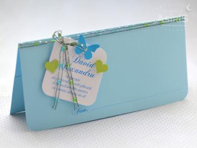 Plic bani botez bleu cu fluturas si inimi verzi, fundita si text de multumire