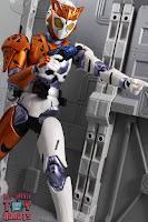 S.H. Figuarts Kamen Rider Valkyrie Rushing Cheetah 31S.H. Figuarts Kamen Rider Valkyrie Rushing Cheetah 35